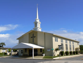 Iglesia Sagrado Corazón • 425 North M. St., Lake Worth, FL 33460
